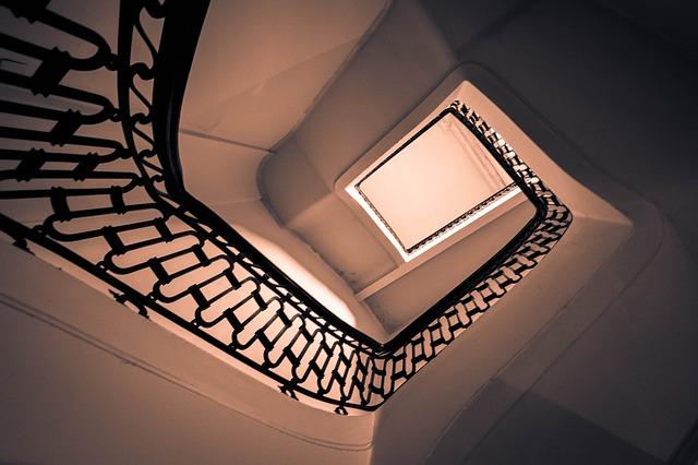 ladder-4519538_640